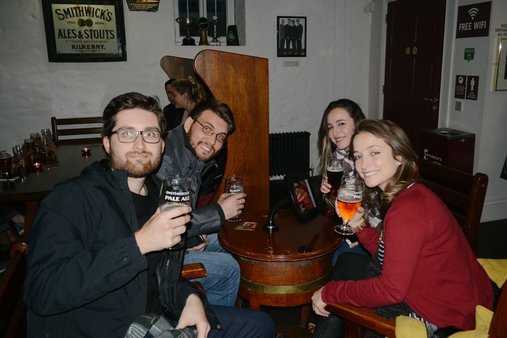 kilkenny_ireland_irlanda_dublin_castelo_smithwick_beer_friends_road_trip_viajar-12